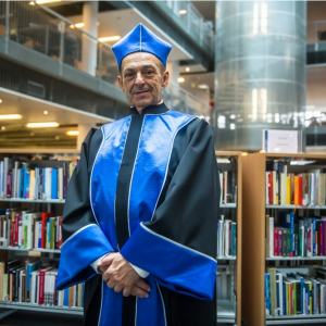 Prof. Lech Garlicki received the doctor honoris causa degree of the University of Gdańsk. Credit: University of Gdańsk