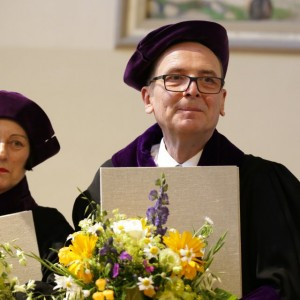 Prof. Włodzimierz Borodziej and  Herta Muller (the recipient of the 2009 Nobel Prize in Literature) received the doctor honoris causa degrees of the University of Jena. Credit: University of Jena